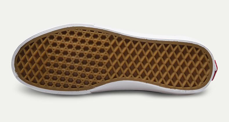 范斯经典款运动鞋