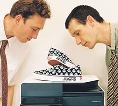 VANS携手Palace推出首个联名系列,共同致敬滑板文化